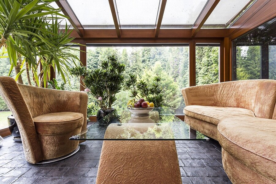 decorate your conservatory with indoor plants